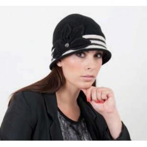 Dámska čiapka ogaliena